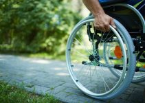 Best Manual Wheelchairs:Our Top 6 Picks and Buyer's Guide
