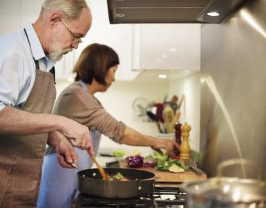 lightweight cookware for elderly