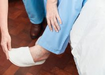 Best Safe Slippers for Elderly People To Prevent Falls