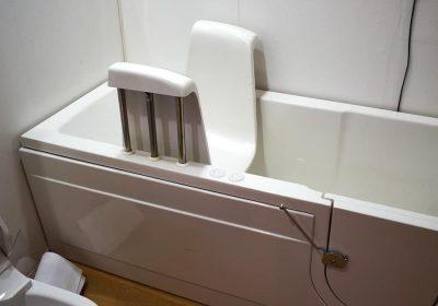 Best Bathtubs for Seniors