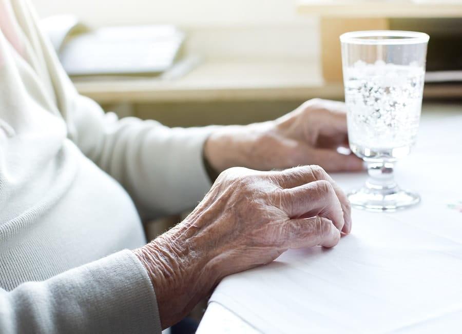 prevent dehydration in seniors