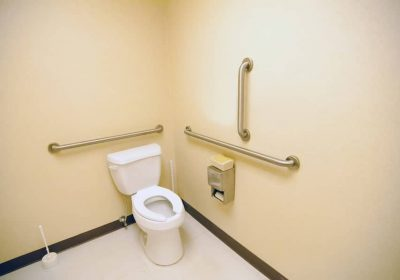 How High Should Your Grab Bars Be Installed?