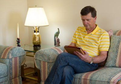 Best Reading Lamp for Elderly People