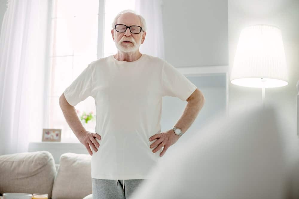 how to know when an elderly person can't live alone