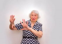 How To Deal With Elderly Parents Who Refuse Help